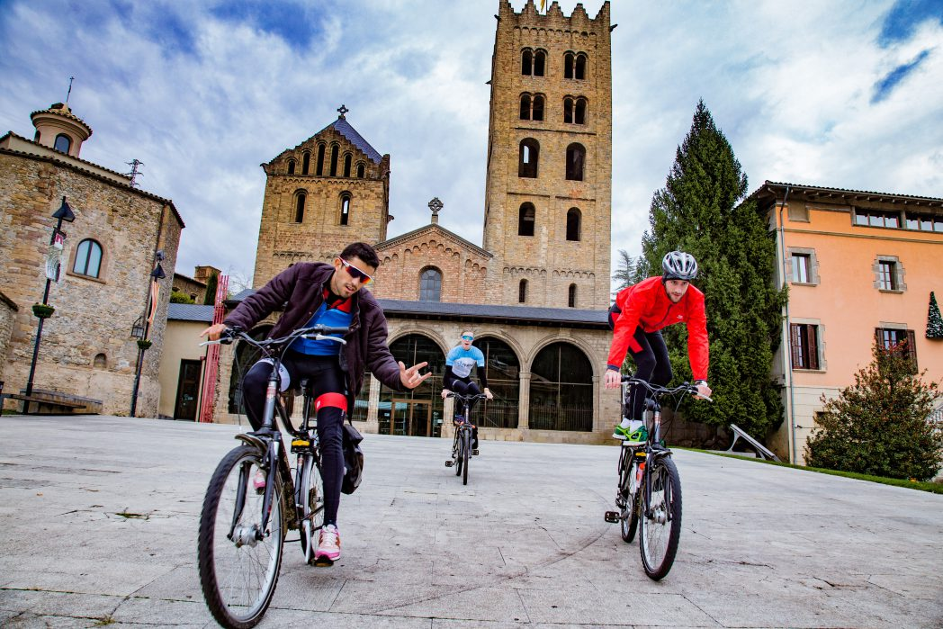 Ciclistes per Olot