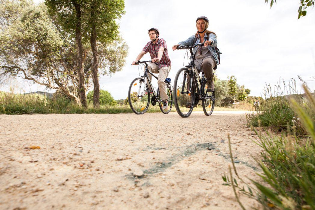 Ciclistes per la Ruta del Tren Petit