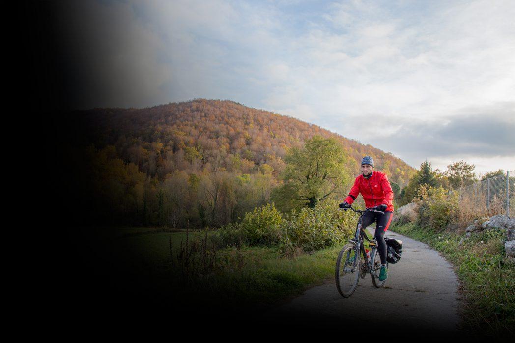 Ciclista a la Vall de Camprodon
